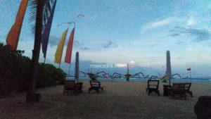 バリのサヌールビーチ